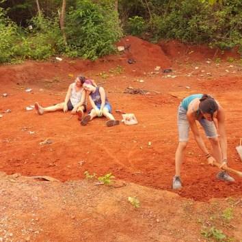 04-preparando-la-terra-per-le-murature
